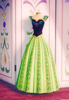 Frozen Costume Review - (PART 3) - Anna's Green Coronation Gown — Princess Rants