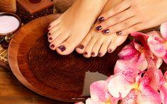 Wallpaper Manicure & Pedicure (*manikúra a pedikúra)