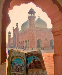 Beautiful capture of Badshahi Masjid 🕌 Pakistan Art, Pakistan Travel, Lahore Pakistan, Pakistan Tourism, Pakistan Railways, Pakistani Culture, Pakistani Girl, Beautiful Mosques, Islamic Architecture