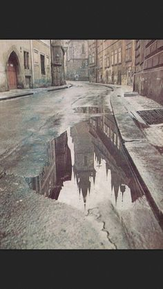 Prague reflections - there will be time enough to see everything and everyone there Reflection Photography, Art Photography, Travel Photography, Visit Prague, Prague Czech, Most Beautiful Cities, Photos Du, Travel Inspiration, Street Art