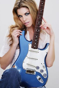 Rock Royalty Fender Stratocaster 1969 Blue Relic guitar with blue sapphires www.rockroyalty.com