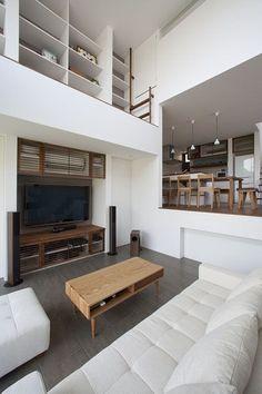 『スキップフロアでつながる伸びやかな空間の家』
