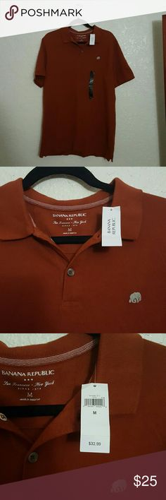 MEN'SBANANA REPUBLIC COLLARD SHIRT -MAROON SIZE M MEN'S AUTHENTIC  BANANA REPUBLIC POLO SHIRT -MAROON SIZE M I love Banana Republic! This is way to big for me , I thought it would fit me well. It's stuck in my closet for months , so I think its time for this Polo Shirt to find a new owner.  Bought it for almost $33 , I'm selling it for $25! Wow good deal!  Buy it now or make an offer Banana Republic Shirts Polos