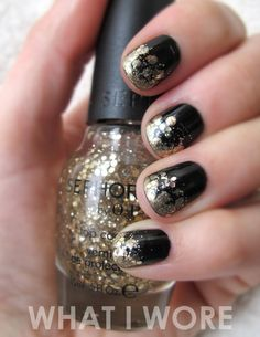 black & gold glitzy nails