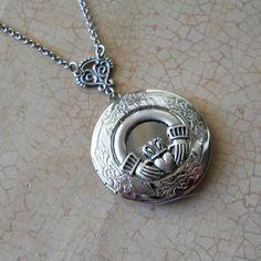 irish wedding locket Chicago Irish Wedding Music