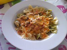 pasta con salsa de mejillones en escabeche