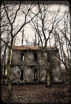 this is an abandoned house in the woods behind the chapel which is across the street from the bell witch caves in adams, tn. it's not the ac...