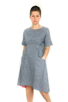 The Jasmine Tee and Dress sewing pattern from Dhurata Davies Patterns is an easy to wear and loose fitting garment with no closures or darts. Clothing Patterns, Sewing Patterns, Sewing Ideas, Sewing Projects, Jasmine Dress, Textiles, Sewing Blogs, Tee Dress, Cold Shoulder Dress