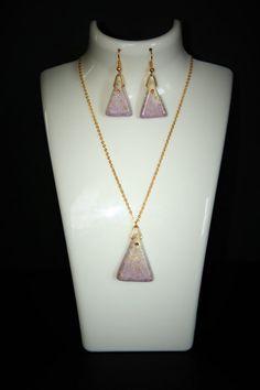 Retrouvez cet article dans ma boutique Etsy https://www.etsy.com/ca-fr/listing/353848739/bijoux-ensemble-collier-boucle-doreille