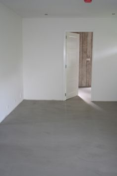 Vloer en Zo - Pandomo Loft Design Vloer, project Schagerbrug Floors, Tile Floor, Design, Sun, Floor, Garten, Home Tiles, Flats, Design Comics