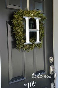 DIY Initial Boxwood Front Door Wreath tutorial | theidearoom.net