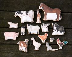 A Day at the Farm.  Printed Cloth Farm Animal Toy Set / from AlyParrott on Etsy
