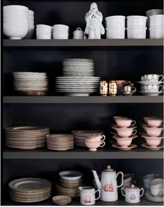 The Trick to Open Shelving - this will be useful for my kitchen renovation. I want to have open shelves with pretty yellow ceramics.