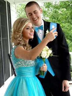 selfies for prom! Prom photography ideas