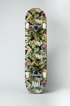 AMI | Skateboard http://www.schwittenberg.com/Nach-Marke/AMI/Skateboard-mit-Print.html