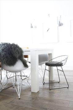 Mooie en stijlvolle barkruk! Stool, Furniture, Design, Home Decor, Atelier, Decoration Home, Room Decor, Home Furnishings