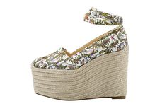 SUMMER STYLE: Christian Louboutin SS15 Espadrilles and Wedges http://www.shoera.com/2015/04/14/summer-style-christian-louboutin-ss15-espadrilles-and-wedgessummer-style-christian-louboutin-espadrilles-and-wedges/