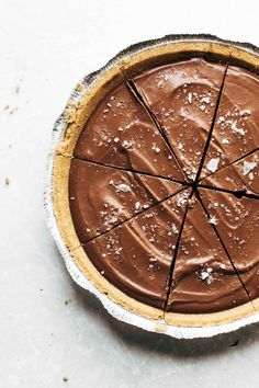 This no-bake vegan chocolate pie only requires five ingredients! Kinda like a French Silk Pie, but better for you. Vegan / Dairy Free / Gluten Free sponsored by @almondbreeze | pinchofyum.com