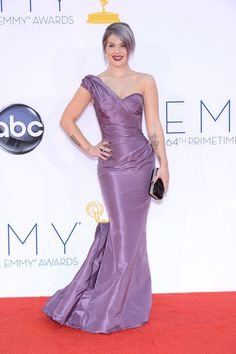I hate the gray/lavender hair, but the dress fits Kelly perfectly and it's a great color on her. Emmys Pictures From 2012
