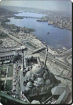 Istanbul, Turkey, in with the Golden Horne in background. In foreground, Yeni Mosque; in left is seen a part of the Egyptian Bazaar, and in right - a small part of famous Galata Bridge. In background is Atatürk Bridge. Antalya, Places Around The World, Around The Worlds, Wonderful Places, Beautiful Places, Empire Ottoman, Turkey Travel, Istanbul Turkey, Aerial View