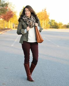 Cream cable knit sweater chambray shirt utility jacket burgundy pants cognac boots and tote leopard scarf. Jeggings Outfit, Leggings Outfit Fall, Slacks Outfit, Cute Summer Outfits, Fall Winter Outfits, Autumn Winter Fashion, Cute Outfits, Scarf Outfits, Outfit Summer