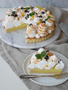 Citronmarängpaj   Brinken bakar Cookie Desserts, No Bake Desserts, Cookie Recipes, Bagan, Good Pie, Cake Truffles, Sweet Pastries, Dessert Drinks, No Bake Cake