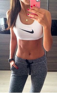 Fitness Inspiration : nike pro Cute workout clothes for Women Athletic Outfits, Athletic Wear, Sport Outfits, Gym Outfits, Casual Outfits, Casual Shoes, Fitness Outfits, Fitness Fashion, Fitness Shoes