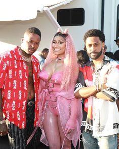 Big bank take lil bank Nicki Minaj Body, Nicki Minaj Rap, Nicki Minaji, Nicki Minaj Outfits, Nicki Minaj Barbie, Nicki Baby, Nicki Minaj Pictures, Hip Hop, Big Sean