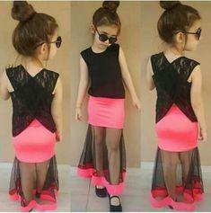 Baby dresses Kids Dress Wear, Kids Gown, Dresses Kids Girl, Kids Outfits Girls, Girl Outfits, Baby Dresses, Little Girl Fashion, Kids Fashion, Kids Frocks Design