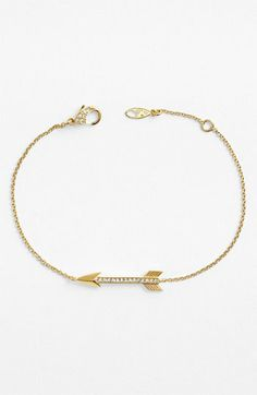 The cutest little arrow bracelet from @Nordstrom. Perfect for stacking!