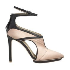 Island platform point toe pump with quilting detail and ankle strap
