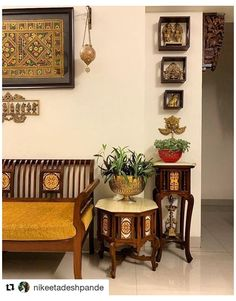 Living Room Nook, Decor Home Living Room, Living Room Decor Traditional, Indian Living Rooms, Traditional Decor, Home Decor Furniture, Traditional House, Living Room Designs, Painted Furniture