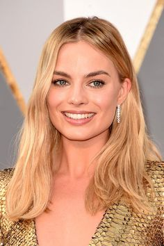 Oscars 2016 Celebrity Hairstyles & Makeup: Margot Robbie  #hair #hairstyles