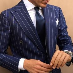 Men's Suit-Suit Up! Navy Blue Pinstripe-Dapper a cutaway collar can just ruin the look Gq Style, Looks Style, Sharp Dressed Man, Well Dressed Men, Suit Fashion, Mens Fashion, Light Grey Suits, Suit Shirts, Pinstripe Suit