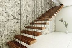 Inspirational best of farmhouse staircase design and decor ideas Rustic Staircase, Floating Staircase, Wooden Staircases, Wooden Stairs, Modern Staircase, Stairways, Spiral Staircases, Spiral Stairs Design, Staircase Design