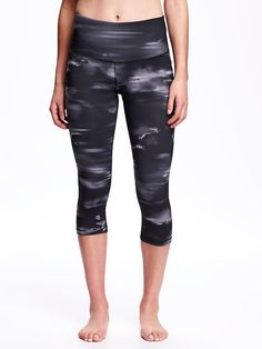 Go-Dry High-Rise Printed Compression Crop for Women