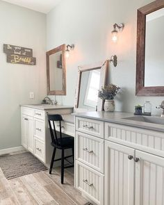 I forgot what these counters looked like in my bathroom Bathroom Design Inspiration, Bathroom Interior Design, Home Decor Inspiration, Design Ideas, Decor Ideas, Decorating Ideas, Modern Farmhouse Bathroom, Classic Bathroom, Farmhouse Office