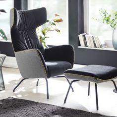 """Supermoderní a velmi pohodlné provedení klasického """"ušáku"""", křeslo je použitelné samostatně nebo jako doplněk k sedacím soupravám. V látkovém i celokoženém provedení. Volitelné 3 varianty kombinací látek a kůží, možná vícebarevnost. Dining Chairs, Furniture, Home Decor, Decoration Home, Room Decor, Dining Chair, Home Furnishings, Home Interior Design, Dining Table Chairs"""