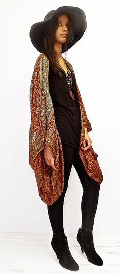 Moldeado de seda Kimono chaqueta / bolero corto por Bibiluxe