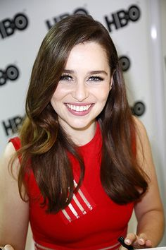 """Emilia Clarke - Stars of the series """"Game of Thrones"""" at the Comic Con festival"""