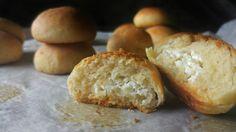 Αφράτα τυροψωμάκια - The best cheeseballs ever