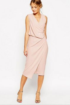 A figure-flattering option for long, tall ladies. #bridemaid #dresses
