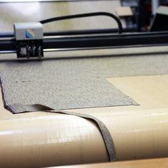 TEHDÄÄN HYVIN | HANDMADE QUALITY Työvaihe: Kankaan leikkaus | Craft: Fabric cutting  Tuotantolinja: Sohvat | Production line: Sofas  #pohjanmaan #pohjanmaankaluste #käsintehty