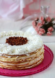 """увидела я этот торт в блоге Ниночки """"З любов'ю, смаком і красою"""" http://ninagolovkoo.blogspot.ru и влюбилась в него,а как могло быть иначе. Потрясающее сочетание медовых и безе…"""