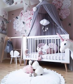 Have a lovly evening - - - #barnerom #kids #cute #girlsroom #interior #pink #babyroom #picoftheday #kidsstyle #childrenroom #sweet…