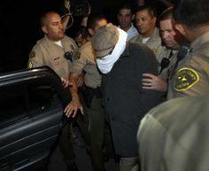 İslamiyete ve Hz. Muhammed'e hakaret içeren filmin yapımcısı Nakoula, Los Angeles'ta tutuklandı.