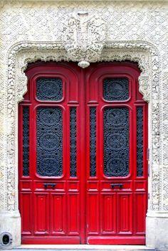 Une belle porte rouge