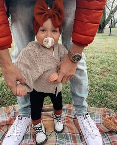 Cute Baby Girl Outfits, Toddler Girl Outfits, Kids Outfits, Baby Girl Fashion, Toddler Fashion, Kids Fashion, Oakley, Baby Kids Clothes, Baby Time