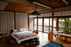 """Lucas · BB's """"engaged in Built 70 years of Japanese house, borderless lifestyle""""… Japanese Style House, Japanese Home Decor, House Beds, House Rooms, Japanese Interior Design, Home Decor Bedroom, Interior Design Living Room, Interior Architecture, Bungalow"""