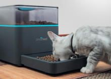 Smartphone-triggered pet feeder connects to social media via @CNET